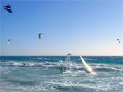 Surfen an der Costa Brava, Spanien